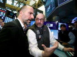 Акции Uber завершили первый день торгов ниже цены IPO