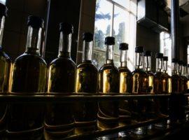 Приостановку поставок винных бутылок в Крым объяснили «недоразумением»