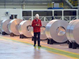 «Магнитка» сообщила об избытке стали в России из-за поставок из Донбасса