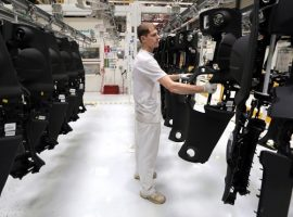 «Автокомпонент» возобновил поставки на остановивший конвейеры АвтоВАЗ