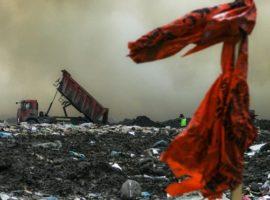«Ведомости» сообщили о проблемах у российских мусорных операторов