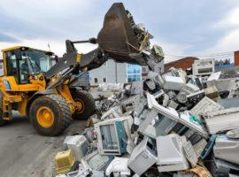 СМИ узнали о планах Минприроды ввести утилизацию 100% товаров и упаковки