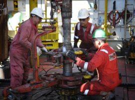 Миллер анонсировал повышение зарплат рабочим «Газпрома» на 15%