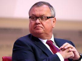 Костин назвал возможную долю ВТБ в «Ростелекоме»