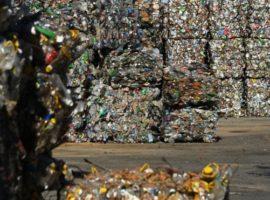 Производители попросили не повышать норму утилизации товаров до 100%