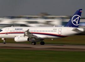 Владелец S7 заявил об отказе Минпромторга от укороченной версии Superjet