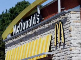 Главу McDonald's уволили за любовную связь с сотрудницей компании